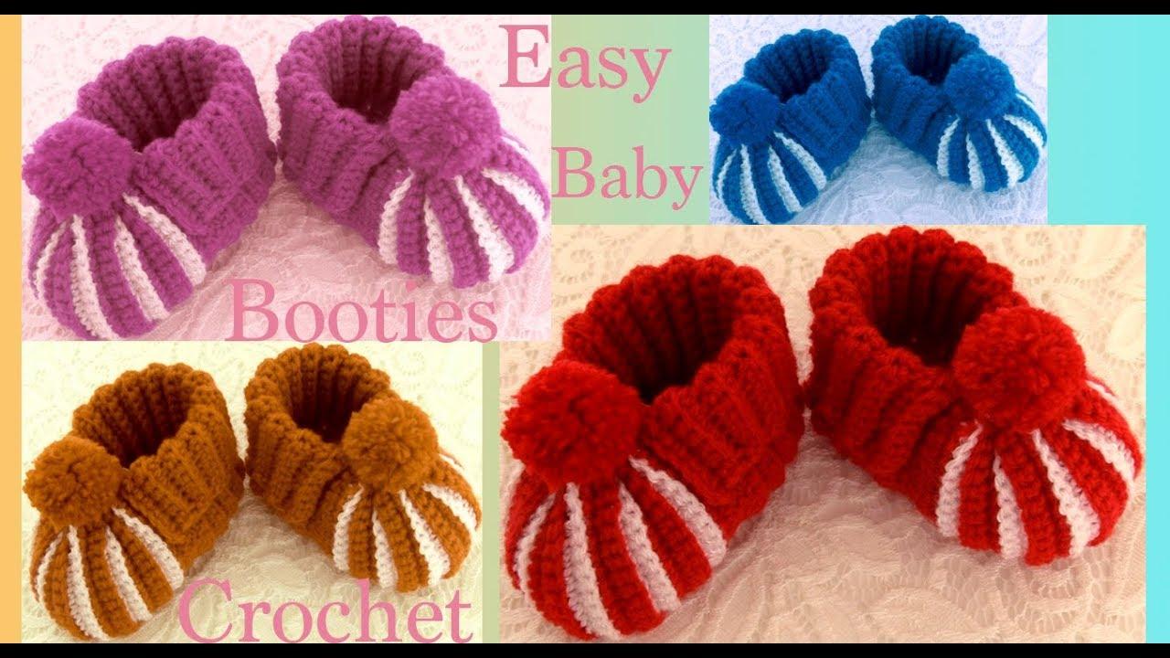 Botinhas de Bebê em Crochê com Pompom