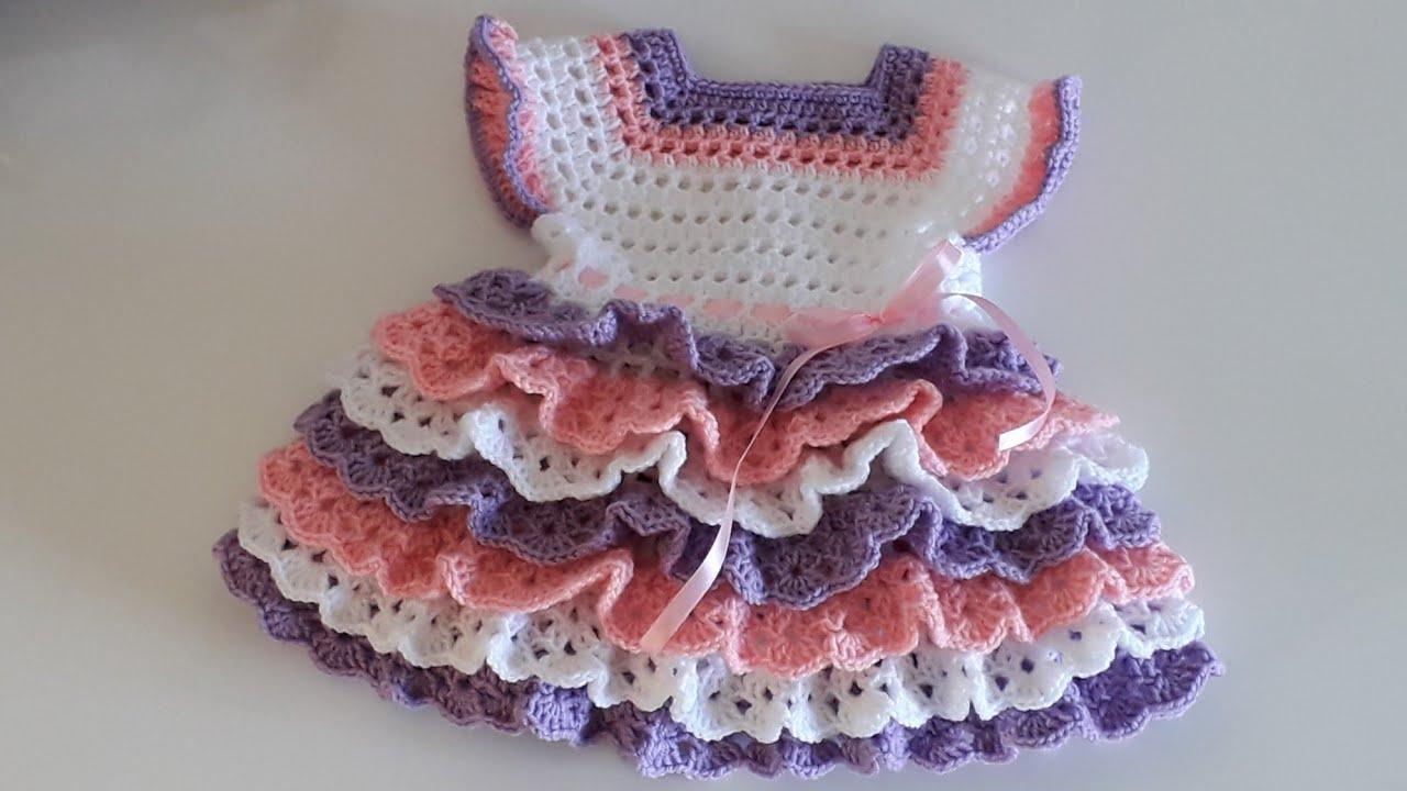 Vestido Infantil de Crochê em Camadas