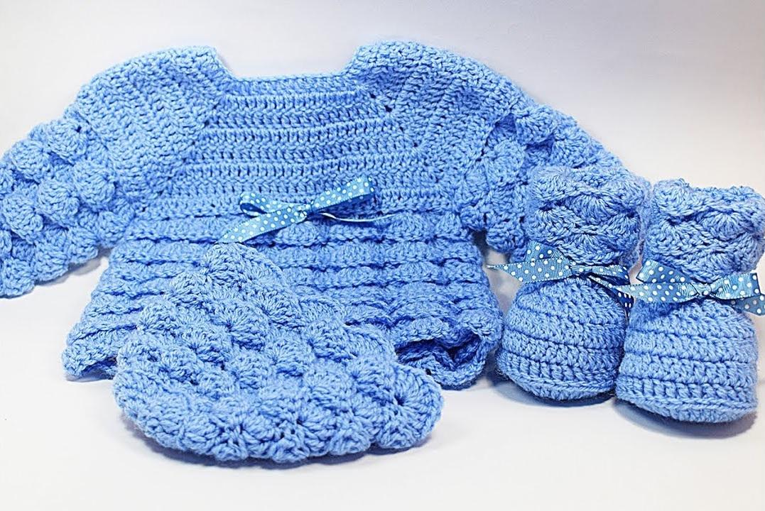 Sapatinho de Crochê Azul Simples