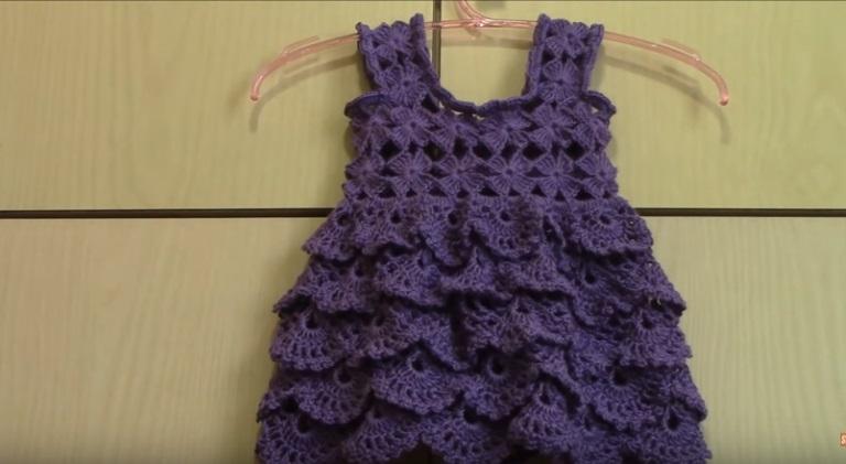 Vestidinho de Crochê Roxo para Bebê