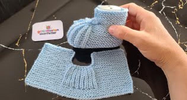 Sapatinho de Tricô Infantil Azul Bebê