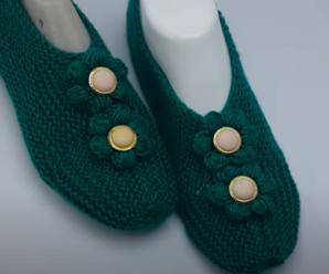 Sapato de Tricô Verde Escuro com Flor