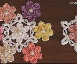 Conjunto de Flores de Crochê